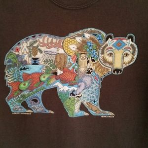 GILDAN BROWN TEE WITH COLLAGE BEAR, SIZE SMALL